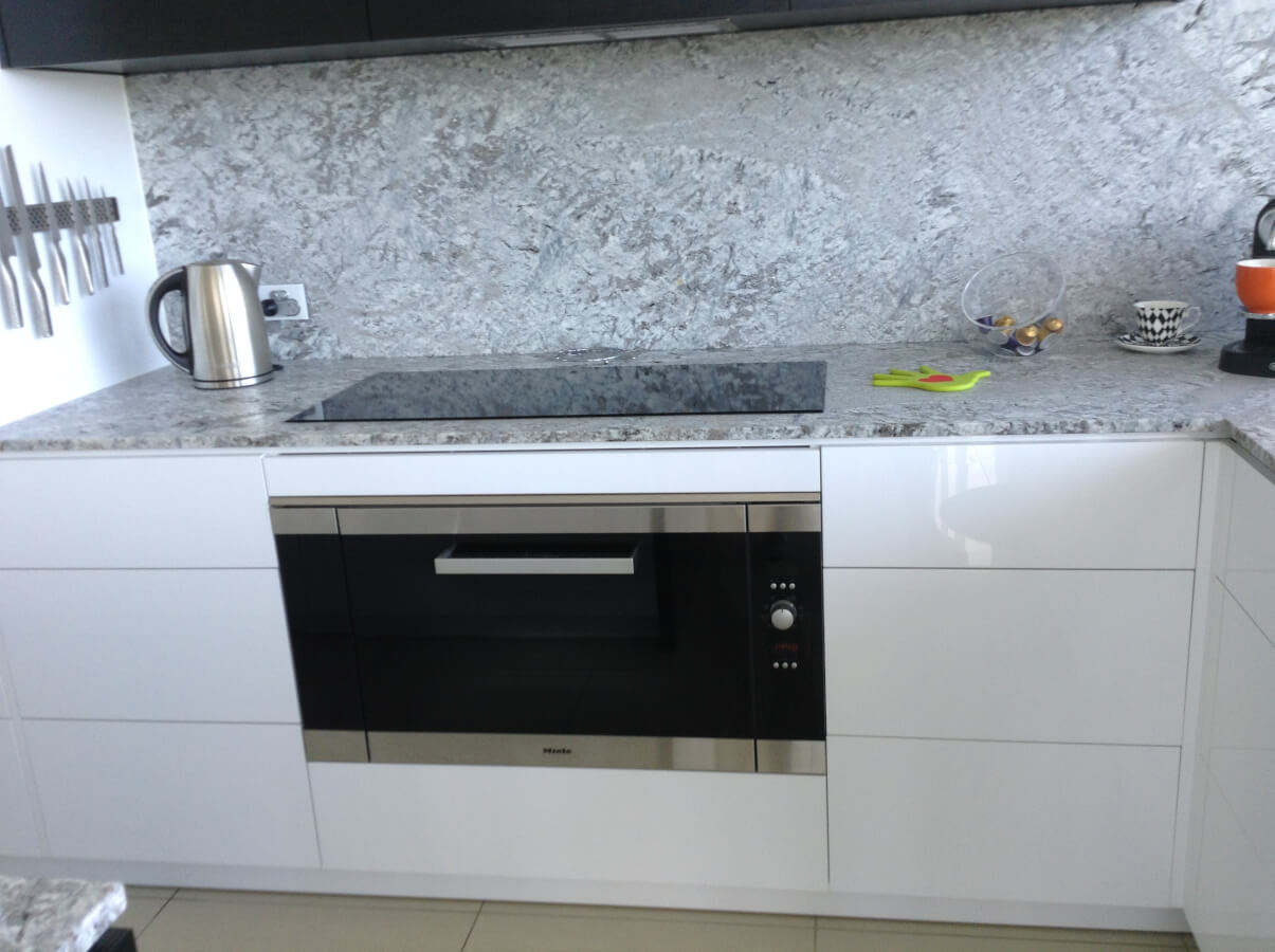New York Style Granite Splash back Kitchen — All About Kitchens ...