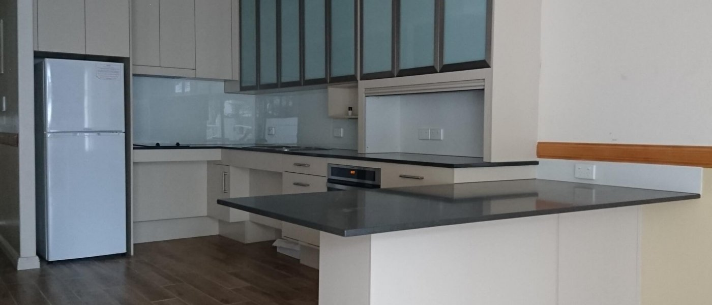 Clean Elegant Kitchen - Mooloolaba